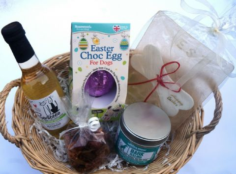 DOG EASTER GIFT BASKET WITH EASTER EGG EDIBLE CARD DOG WINE TEA & DELI TREATS